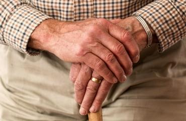 Bezpłatne leki dla seniorów a potrzeba edukacji